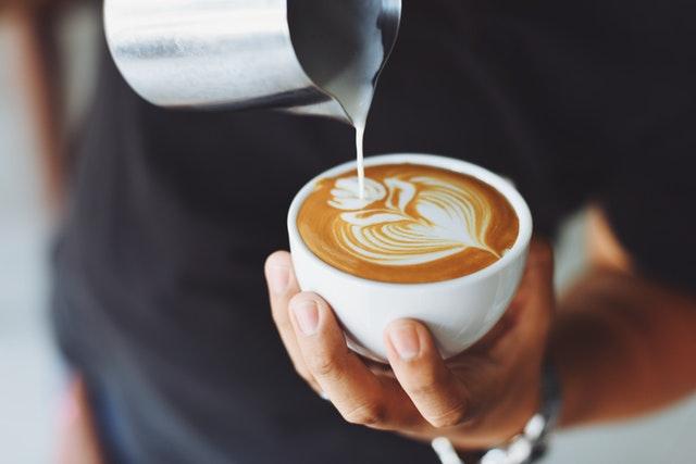 Kawa z mlekiem czy czarna?